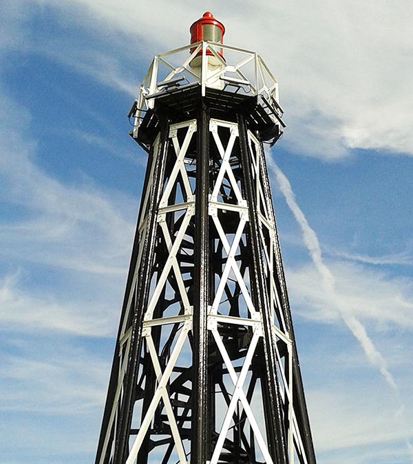 Leuchtturm als Symbol für erfolgreiche strategische Projekte